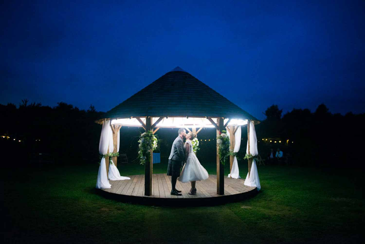 STACEY STEPHEN WEDDING PHOTO THE GARDENS YALDING NIGHT